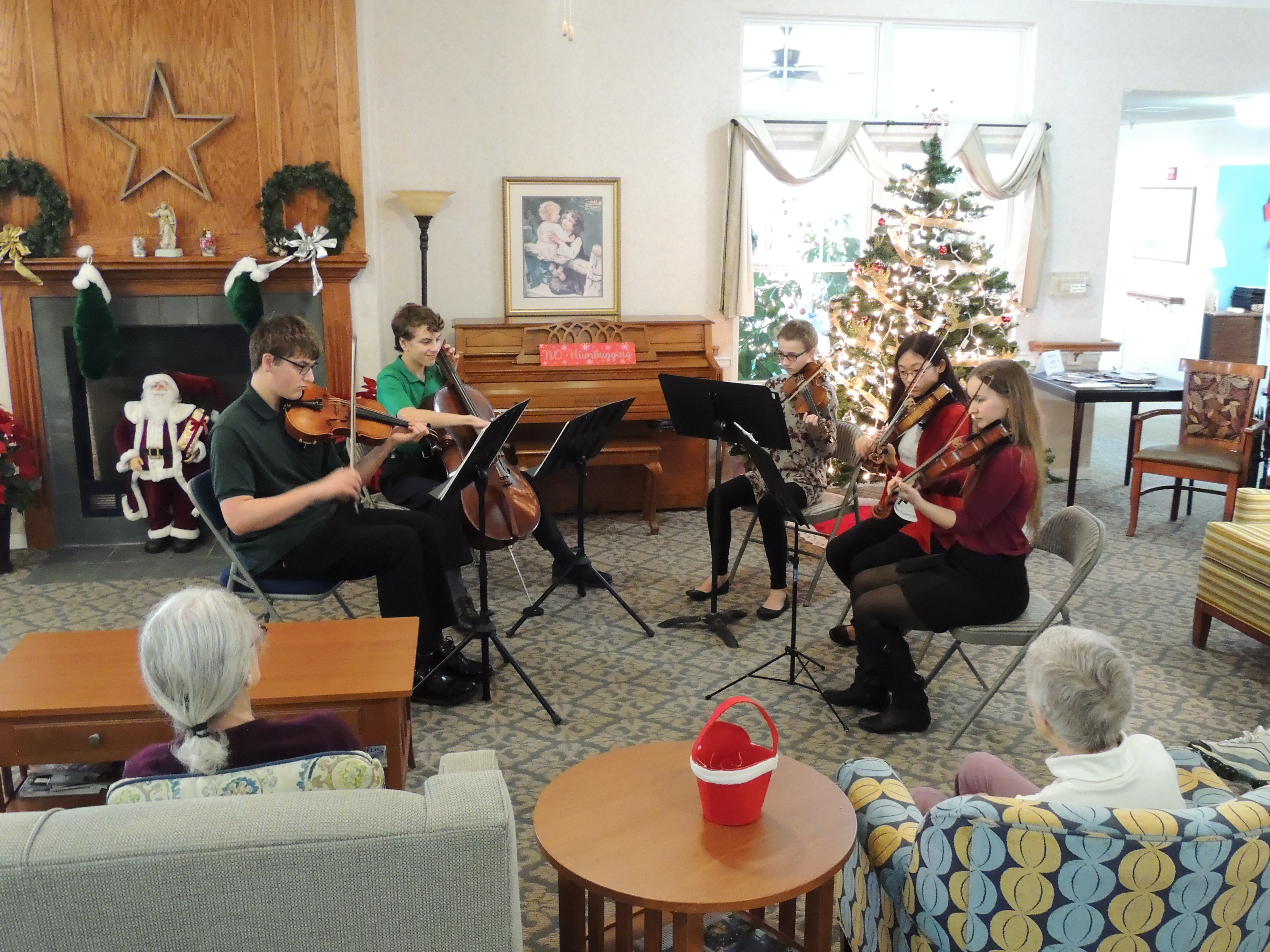 Holiday Quartet performs at Falls River Retirement Community
