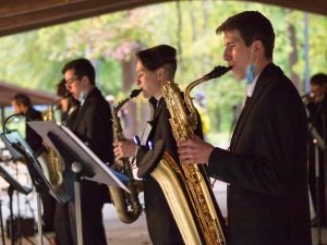 image of jazz musicians performing