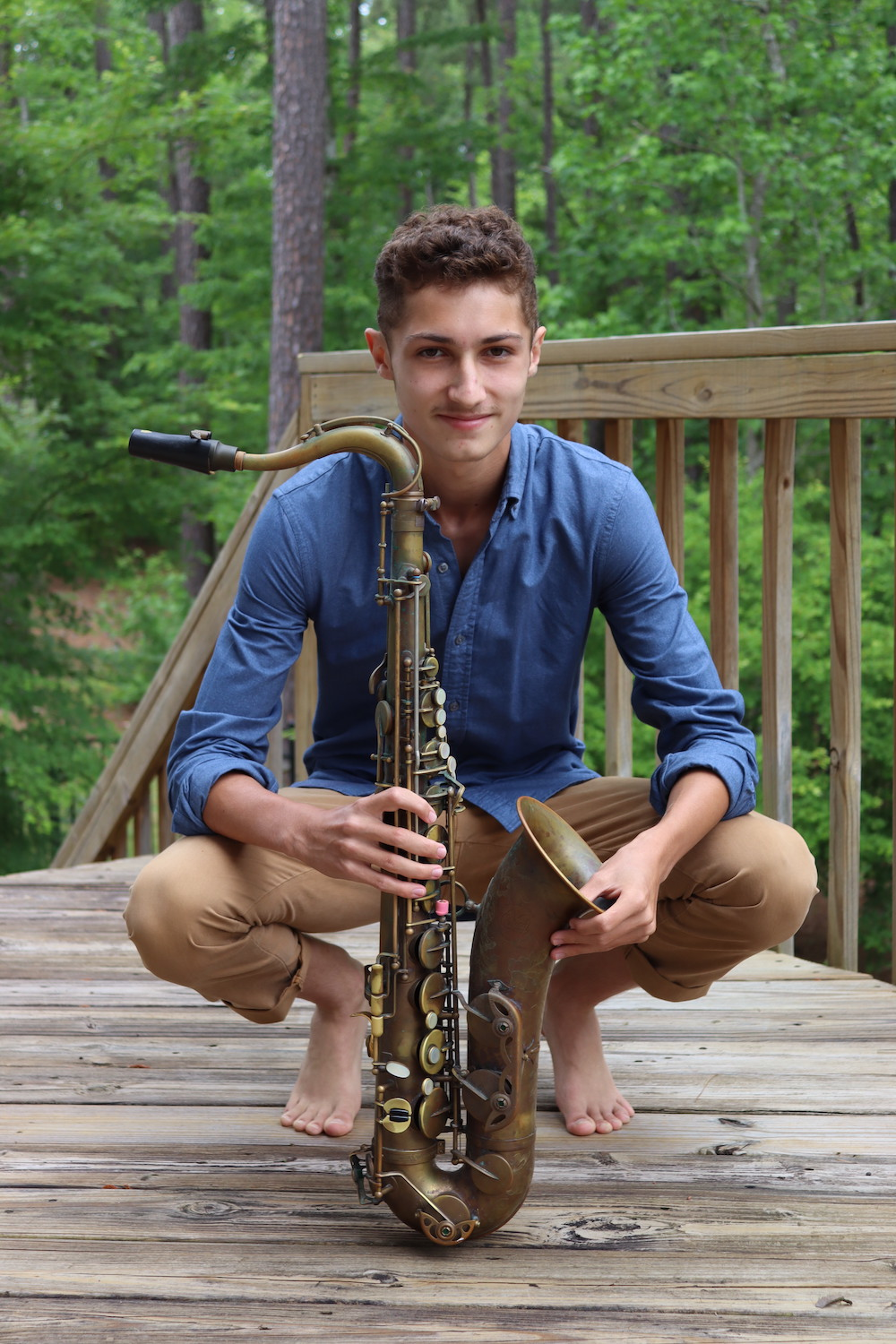 image of zeb and his saxophone